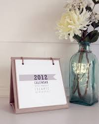 2016 mini desk calendar with stand on natural recycle brown paper with cotton twine features