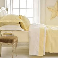 yellow gingham duvet cover with flat sheet with gingham trim