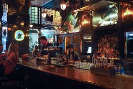 The Breslin Bar And Dining Room Nyc The Breslin Michelin Rated English Pub Food Shelly In Real