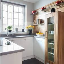 square kitchen designs are better for small apartments
