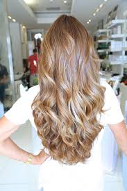 Caramel Blonde Hair Color With Loose
