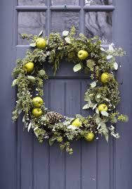 wreaths christmas decorating ideas door  christmas door decorating ideas best decorations for your front door