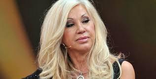 Carmen Geiss hat Angst, ihren Mann zu verlieren. (Quelle: dpa). Einstellung; drucken; Redaktion; versenden. Sie ist reich, sieht gut aus und lebt in einer ... - carmen-geiss-hat-angst-ihren-mann-zu-verlieren-