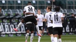 Hier gibt es aktuelle news und transfergerüchte zu gladbach: Borussia Monchengladbach Der Traum Von Europa Lebt Wieder Sport Dw 25 04 2021
