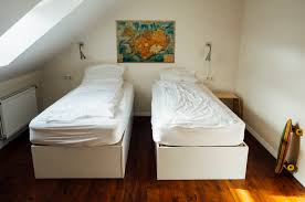 Maximizing Space In A Small Bedroom 6 Ways To Maximize The Space In Your Small Bedroom Treeium