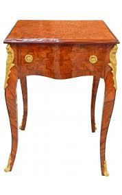 Table d'appoint carrée de style Louis XV avec marqueterie