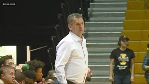 WSU men's basketball head coach Kyle Smith cleared to coach from bench |  krem.com