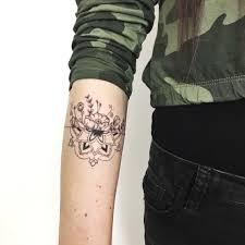 Deni Tečkuje Handpoke Tattoo