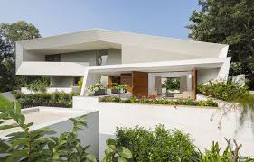 modern house. The Design Of This Modern House Features A Very Angular Exterior