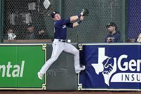 Astros slap around Mariners, Yusei ...
