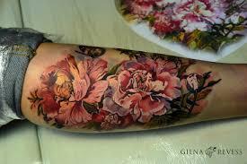 цветы на руке Tottem
