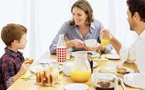 Debes desayunar