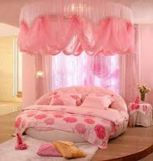 Round bed & canopy in pink