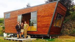 tiny house workshop. Rosa Henderson With Leo Murray And Builder Ben Garratt At A Tiny House They Built In Workshop