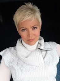Pin von Bernadette Durant auf Sassy Short Styles | Frisuren kurze ...