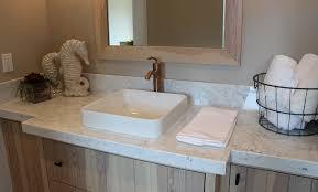 image of polished quartz countertops that look like carrara marble