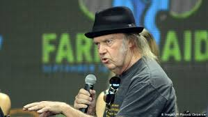 <b>Neil Young</b> sues Donald Trump′s campaign over repeated use of ...