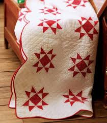 Red Ohio Star quilt. The scalloped binding adds a nice touch ... & Red Ohio Star quilt. The scalloped binding adds a nice touch! Adamdwight.com