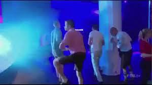 Muller mostra suas habilidades como dançarino - Vídeo Dailymotion