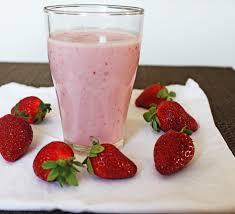 how to make a strawberry smoothie