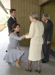 「エリザベスにひざまづく」の画像検索結果