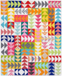 15 Flying Geese Quilts for Inspiration - Simple Simon and Company & This Grey Goose Quilt Beech Tree Lane Handmade full of flying geese blocks  is so lovely. Adamdwight.com