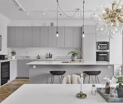 Fadded grey kitchen