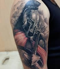 тату спартанца на плече мужчины фото рисунки эскизы