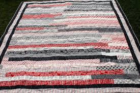 Latimer Lane: Mama Said Sew Jelly Roll Race Quilt & So I searched the internet and found this tutorial for the Jelly Roll Race  from Missouri Star Quilting. Adamdwight.com