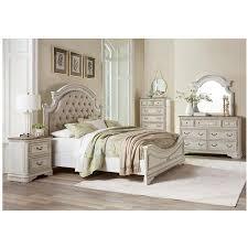 Stevenson Manor 4-Piece Queen Bedroom Set