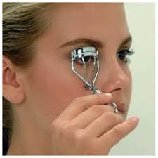 how to use an eyelash curler. eyelash curlers how to use an curler