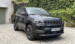 The compass enters 2021 with minor changes. Video Test Jeep Compass 2021 A Brand New Interior Byri