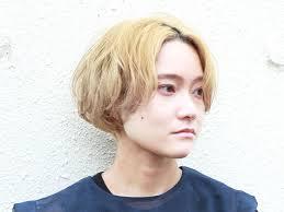 ハイトーンマッシュショートの髪型ヘアスタイル ヘアドレ
