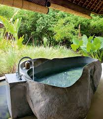luxurious bathrooms the most stunning natural rock bathtubs stunning natural rock bathtubs luxurious bathrooms