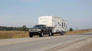 What To Know Before You Tow A Fifth Wheel Trailer