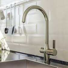 <b>Кухонный смеситель</b> с каналом для фильтрованной воды <b>IDDIS</b> ...