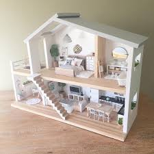 Heirloom dollhouses. Bespoke dollhouse furniture, bedding and ...