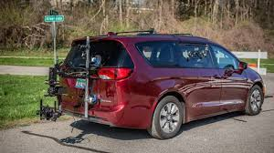 Several owners on pacifica online forums had described issues, ranging from difficulties in charging the battery to the powertrain shutting down in. Chrysler Pacifica Hybrid Recalled Because Minivan Could Catch Fire Roadshow