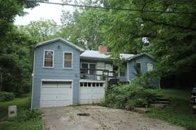 Owner Ordered Online Auction: Fixer Upper 3 Bedroom Home On 1/2 Acre Lot  M/l With 4 Garages | Kansas City, MO. For Sale At Online Auction