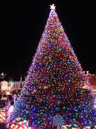 Christmas tree lighting ideas Diy 11 Awesome And Dazzling Christmas Tree Lights Ideas Uswebsharkbasicinfo 11 Awesome And Dazzling Christmas Tree Lights Ideas Christmas