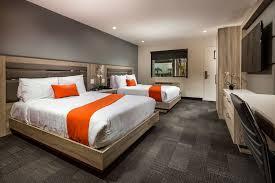canoga hotel canoga park standard room 2 queen beds guest room