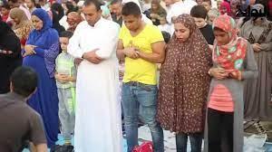 في احد مساجد مصر صلاة العيد مختلطة - YouTube