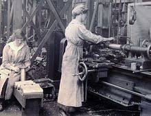 women in the workforce  working at the woolrich arsenal london united kingdom 1917