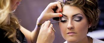 where to get prom makeup done photo 1