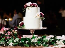 Wedding Cake Budget Tips How To Save Money On Your Wedding Cake
