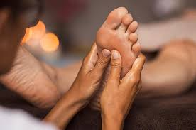 How To Massage Feet 12 Techniques For Relaxation And Pain