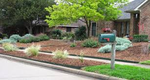 simple landscaping ideas. Large Low Maintenance Simple Front Yard Landscaping House Design With Raised Bed Using Mulch For Ranch Style Home Brick Wall Exterior Ideas I