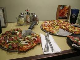 round table pizza king arthur and maui zaui