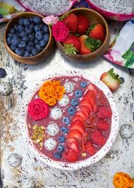 this delicious acai bowl recipe is blended with berries dragonfruit and yogurt it s