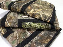 RealTree Camouflage Twin Quilt | Camouflage Twin Bed Quilt w… | Flickr & ... RealTree Camouflage Twin Quilt | by quiltlover03 Adamdwight.com